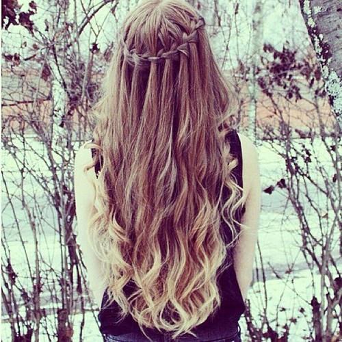 Resultado de imagem para cabelo solto tumblr
