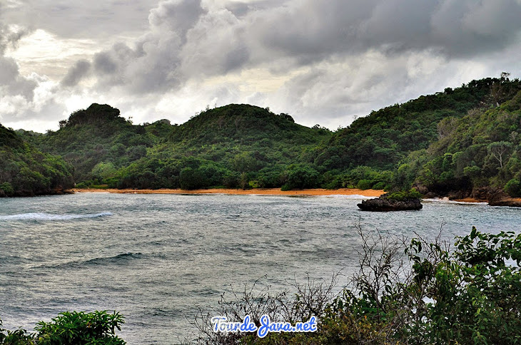 Pantai Gatra, Raja Empat nya Jawa Timur
