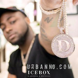 Davido Shows Off His New Diamond Necklace