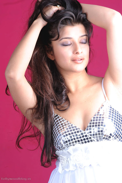 Madhurima Hot Photo Shoot Picture - 05