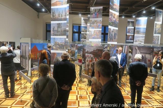 Little And Big News Wystawa Niedenthal Gdańsk 2018 W Ratuszu