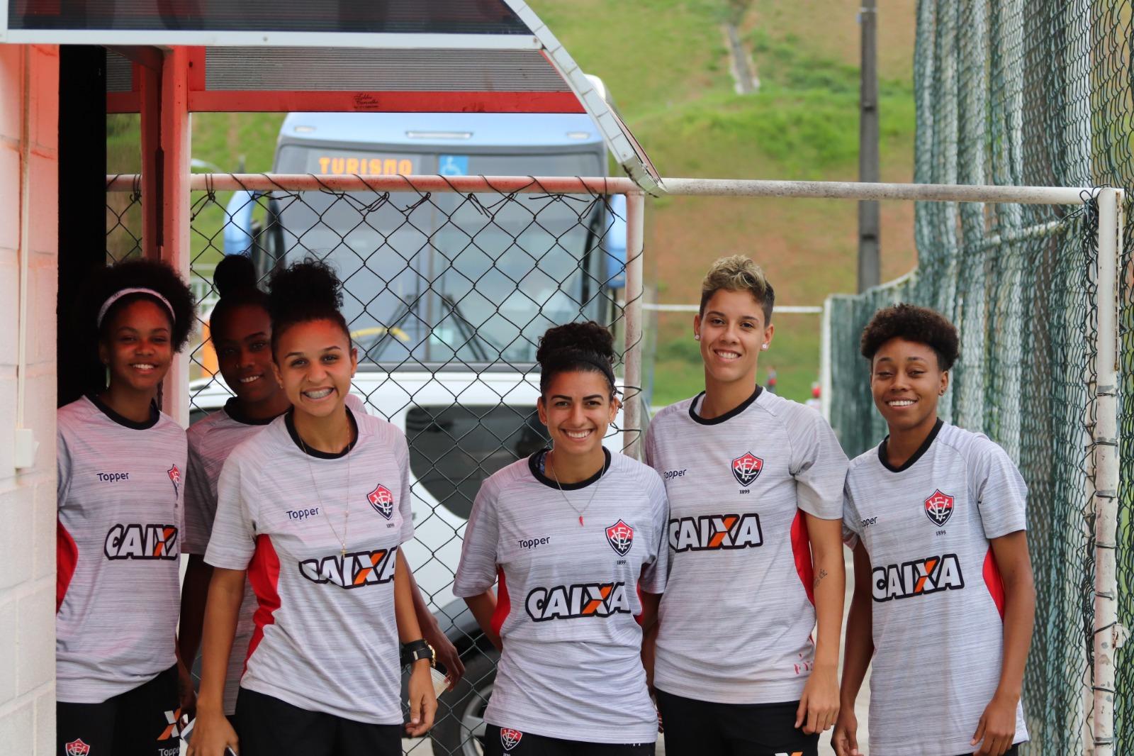 A equipe de futebol feminino do Vitória se reapresentou nesta terça-feira  (21) 5519fd4ec201d