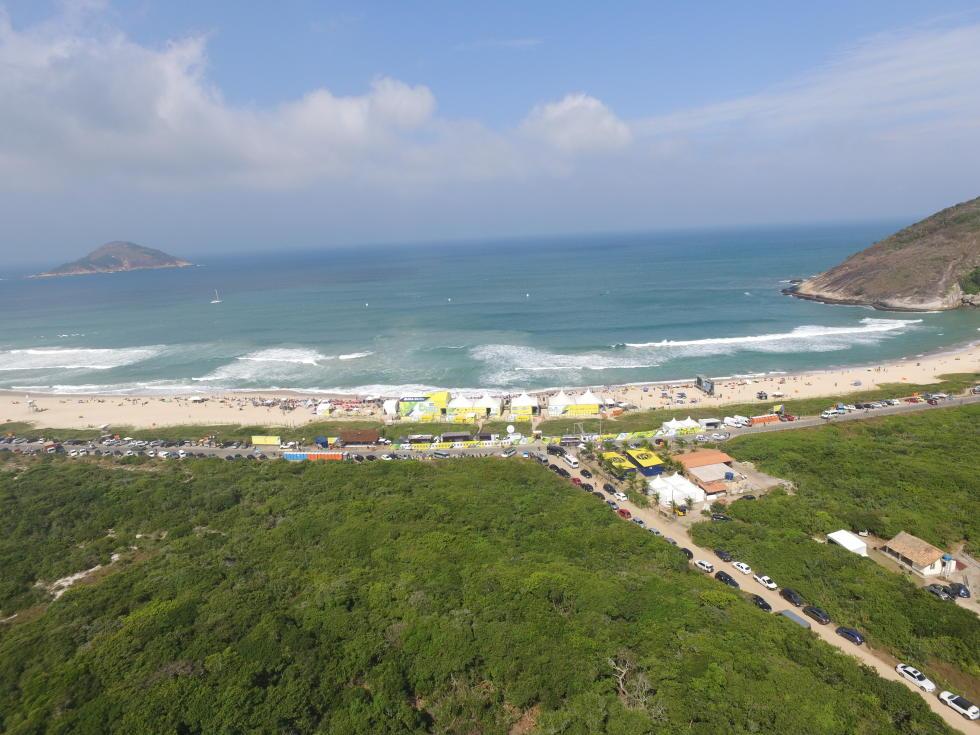 12 Grumari Drone Shot Oi Rio Pro Foto WSL Kelly Cestari