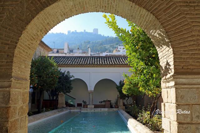 Claustro de la iglesia de la Magdalena, Jaén