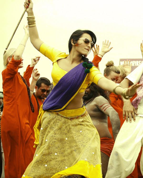 Joker Song Lai Lai Sobg: Movies Blog: Hot Sonakshi Sinha In Joker Movie