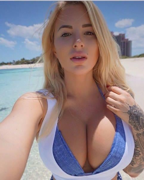 Girls Nude Hot Selfie Style In Masti Mood www.hotfitgirls.blogspot.com