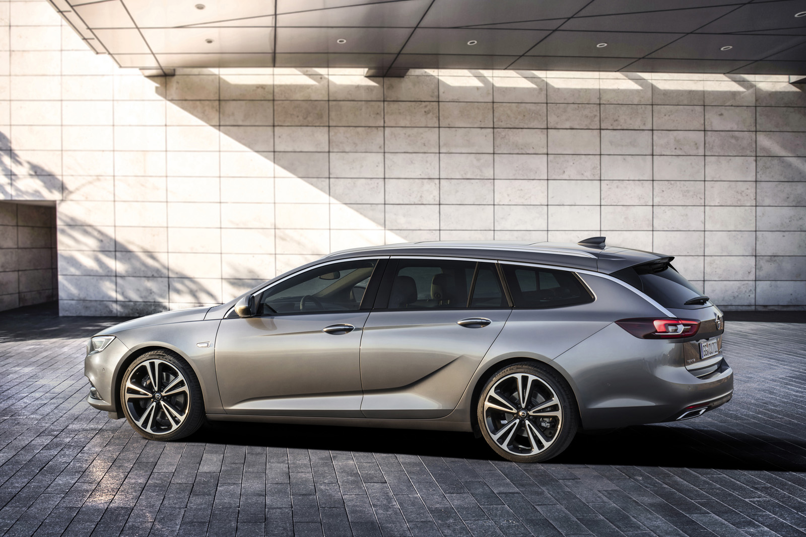 2018 buick regal debuting at april 39 s new york auto show carscoops. Black Bedroom Furniture Sets. Home Design Ideas