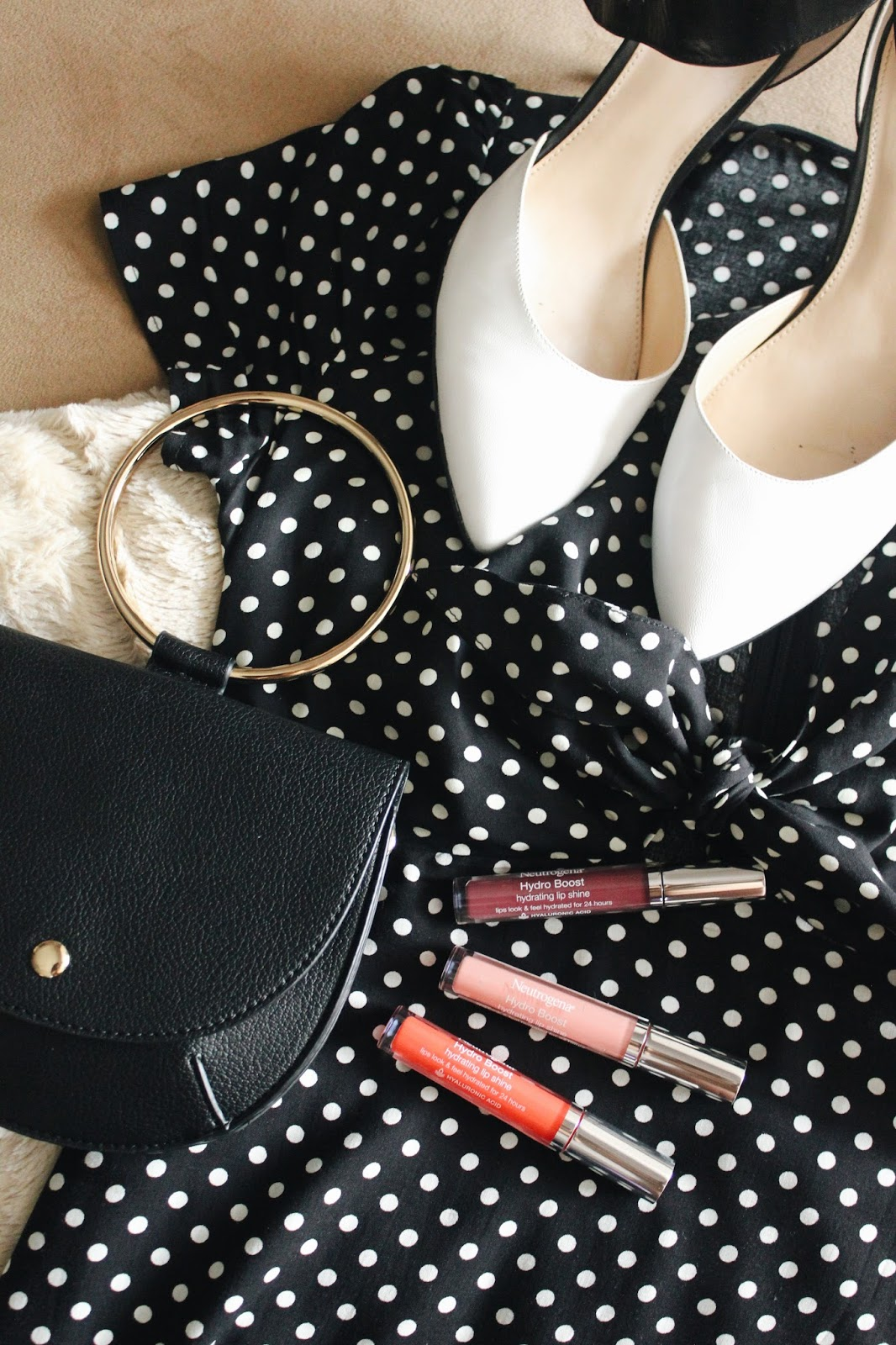 5 Date Night Essentials For Every Woman