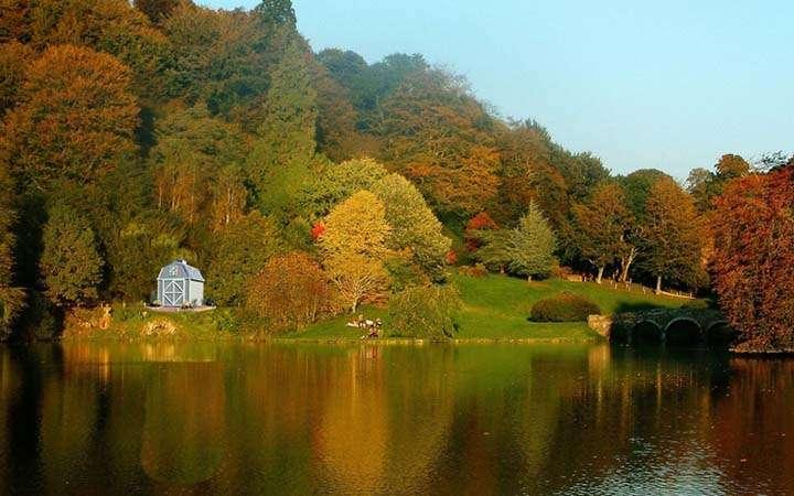 göl resimleri sonbahar manzaralı