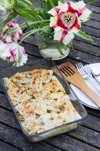 Zapiekanka z białych szparagów i mascarpone.