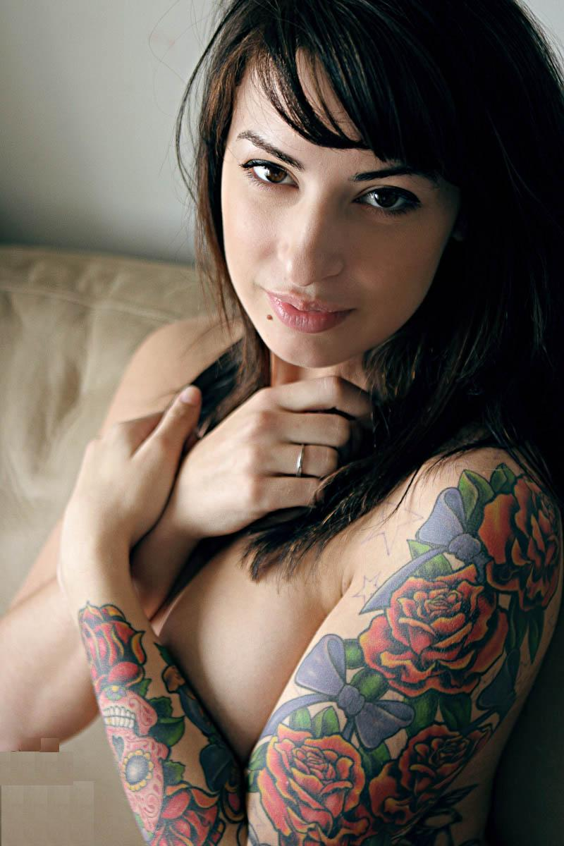 And have dee naked tattooed girl