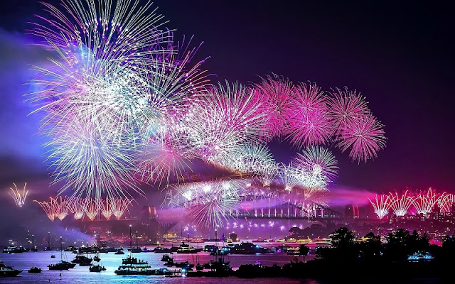HCM City's plan for weekly fireworks blasted 3