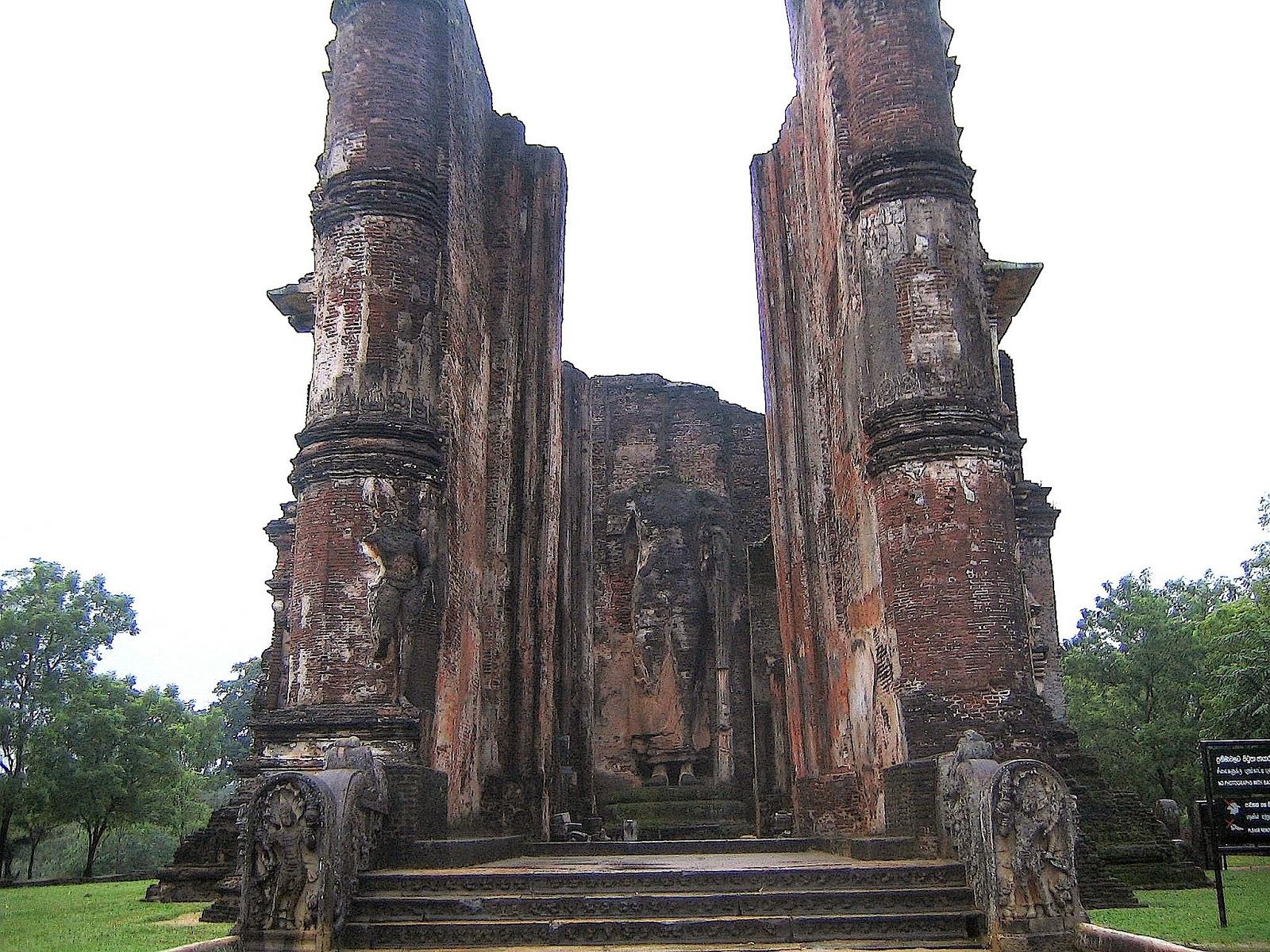 Lankathilaka Vihara, Polonnaruwa, Sri Lanka