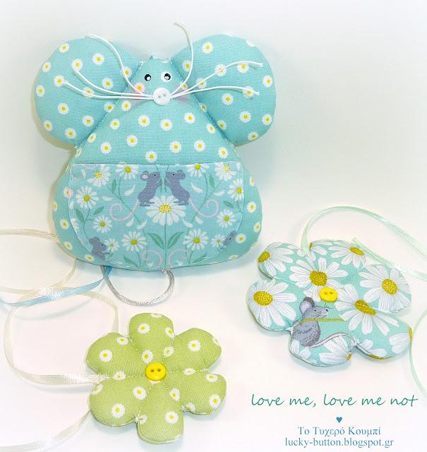Υφασμάτινο ποντικάκι μπομπονιέρα βάπτισης, υφασμάτινα λουλούδια διακοσμητικά