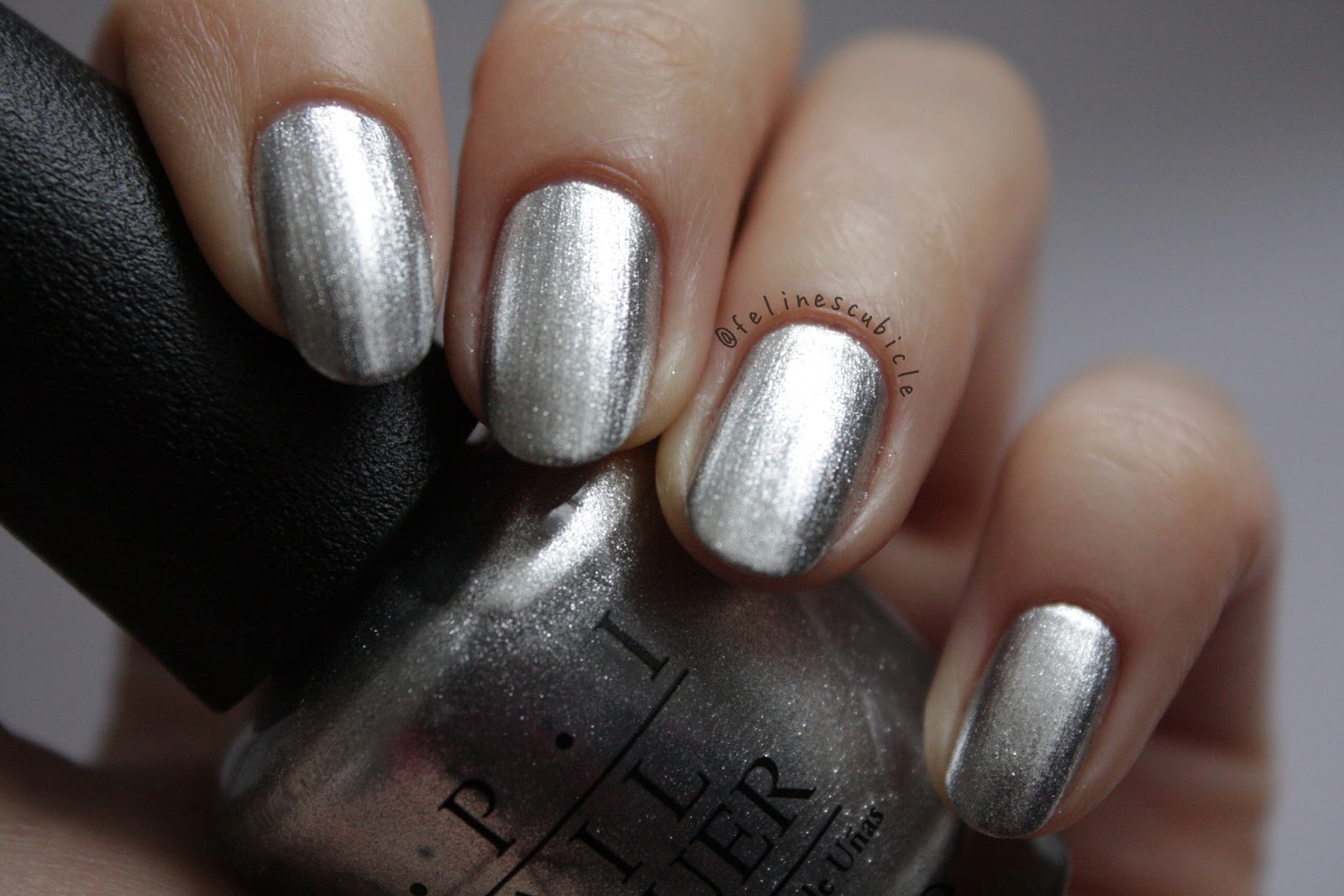 http://felinescubicle.blogspot.de/2014/12/opi-my-signature-is-dc.html
