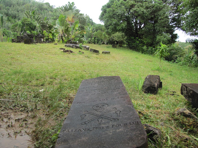 sainte marie madagascar pirate grave
