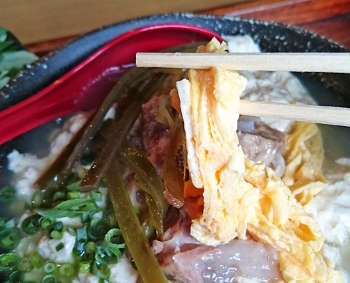 ゆし豆腐そばのトッピングの写真