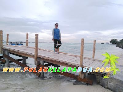 Dermaga Apug Taman Nasional Laut Pulau Kelapa Dua