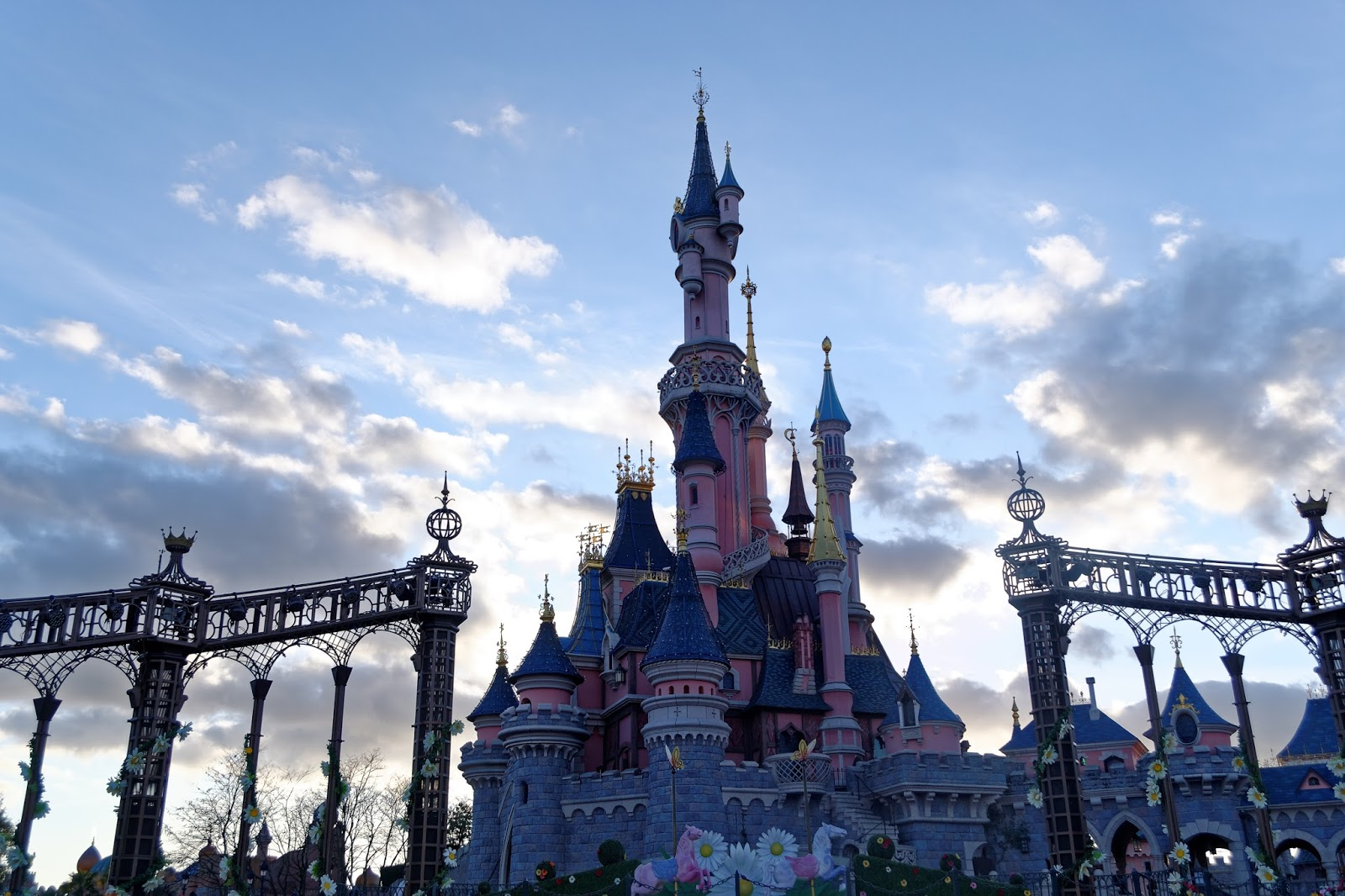 https://ldmailys.blogspot.com/2017/09/disneyland-paris.html