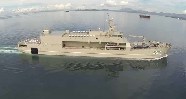 Gambar kapal perang KRI Bintuni milik TNI AL Indonesia