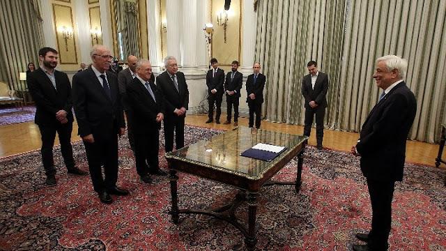 Ορκίστηκαν τα νέα μέλη της κυβέρνησης (βίντεο)