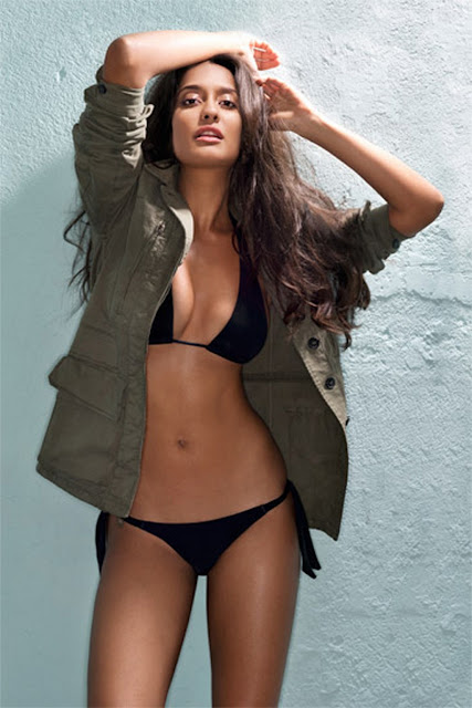 Lisa Haydon Hot Photos Navel Queens