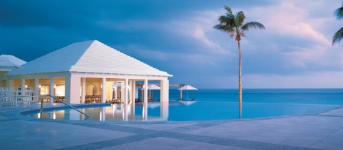 Luxury Beach Resort of Bermuda