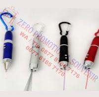 Pen 4in1 (pen, laser, violet, lampu)