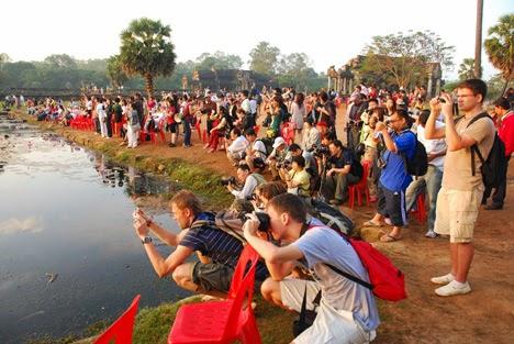 Avoiding Crowds At Angkor Wat Temple