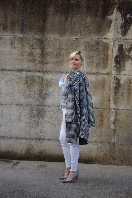 hemming jeans how to wear hemming jeans how to combine hemming jeans hemming jeans street style mariafelicia magno fashion blogger color block by felym fashion bloggers italy italian fashion bloggers italian web influencer february outfits white jeans street style