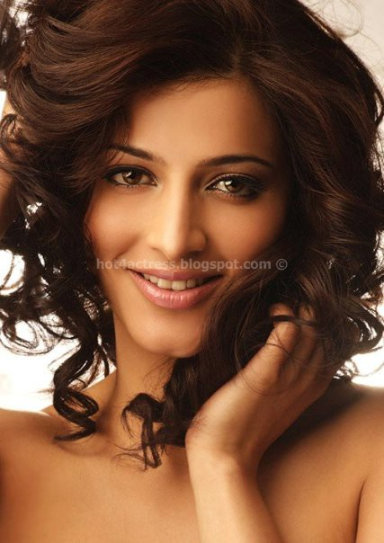 Shruti Haasan Latest Photo Shoot Gallery