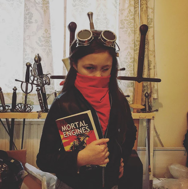 Hester Shaw costume cosplay from Mortal Engines book