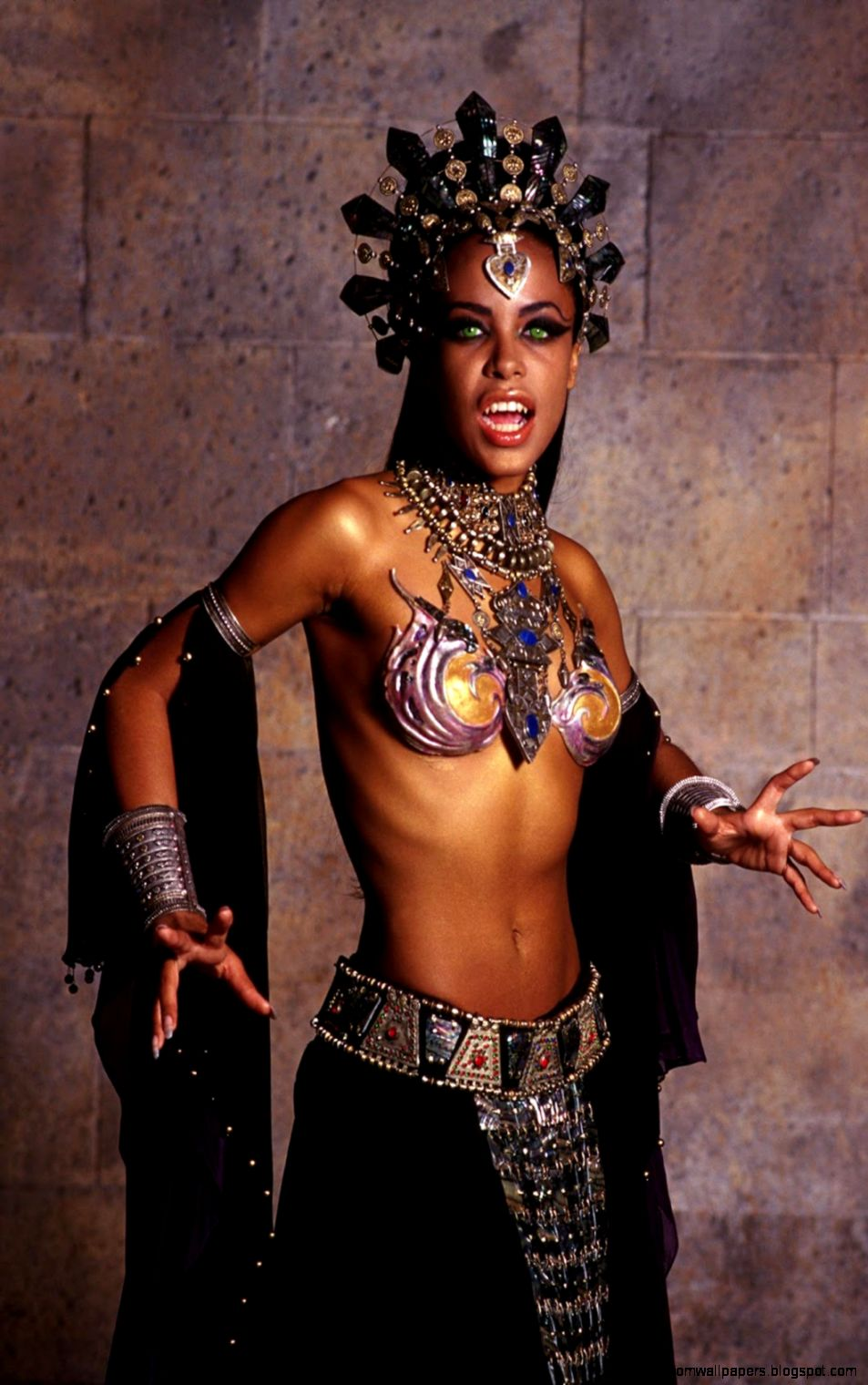 Aaliyah Body Zoom Wallpapers