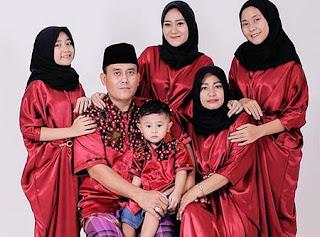 Vita Alvia dan Keluarga