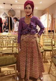 Kumpulan Busana Muslim Desain Dian Pelangi Model Terbaru Trendy