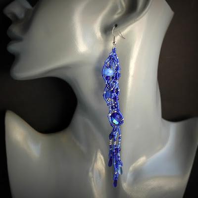 купить синие серьги разной длины в паре оригинальные украшения фриформ