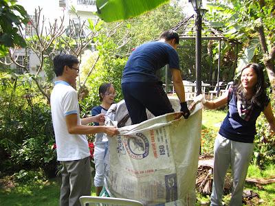 co-Trish-Summerfield-day-hoc-mien-phi-suot-20-nam-tai-Viet-Nam