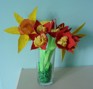 Daffodil crafts, activities and resources for toddlers