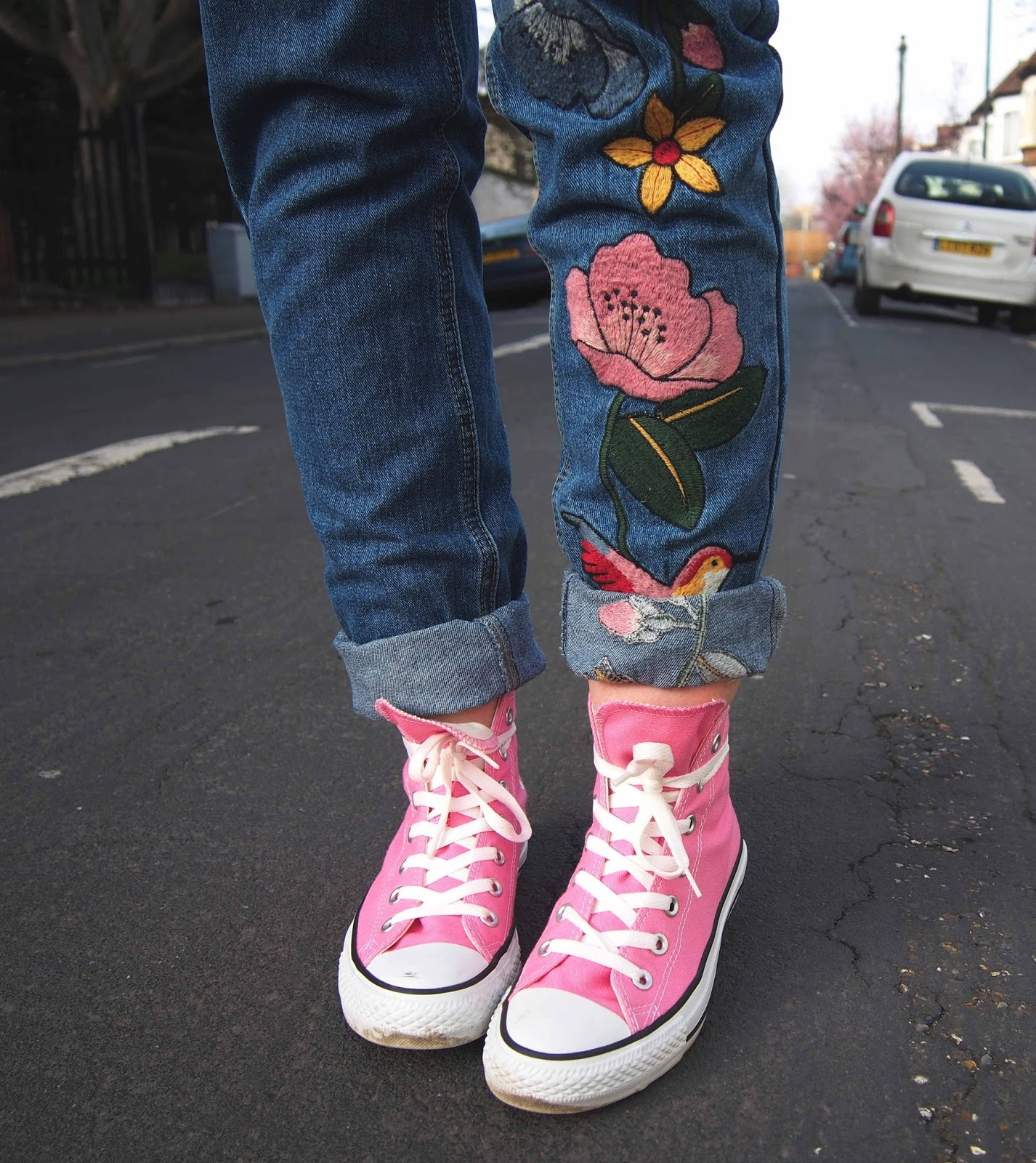 embroidered jeans, embroidered mom jeans, floral embroidered jeans, spring outfit ideas, necktie, pink converse, grunge fashion blog, grunge outfits
