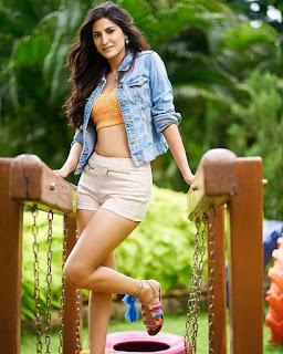 Bollywood Bold Actress Aahana Kumra Share Hot Photos On Instagram