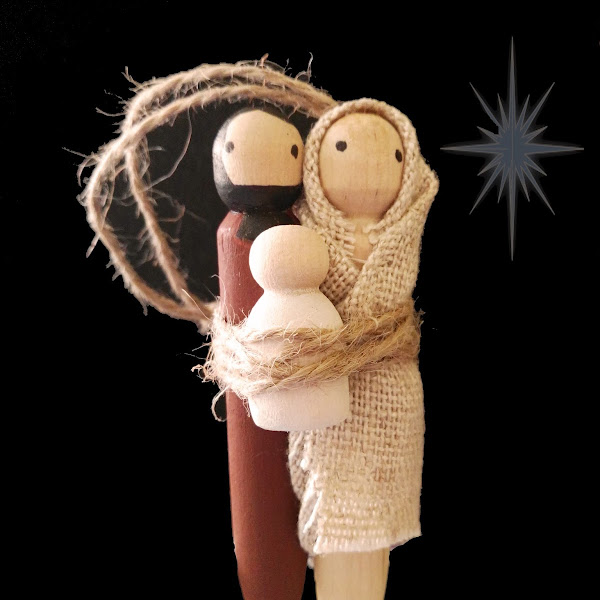 Christmas Decoration Wooden Peg Doll - Mary, Joseph and Baby Jesus