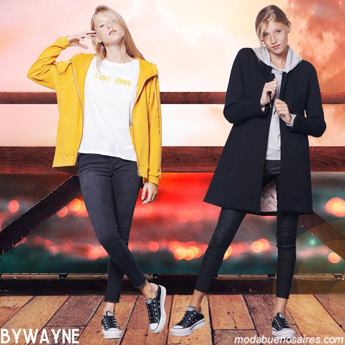 Moda mujer otoño invierno 2019. Sacos de colores y en tonos neutros moda urbana invierno 2019.