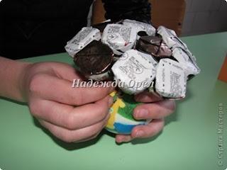 как сделать кораблю из конфет своими руками, как сделать автомобиль их конфет своими руками, как сделать конфетный букет своими руками, как сделать конфетный букет для мужчины мастер=класс, идеи конфетных подпрков на 23 февраля, идеи букетов из конфет для мужчин своими руками, конфетный мяч своими руками пошагово, конфетный автомобиль своими руками пошагово, конфетный кораблю своими руками пошагово Автомобиль-кабриолет из конфет своими руками, конфетная композиция мужчине на юбилей пошагово своими руками, конфетная композиция мужчине на день рождения своими руками пошагово, конфетный подарок мальчику на день рождения своими руками пошагово, Спортивные снаряды из конфет — оригинальные идеи, автомобили конфетные, букеты конфетные, композиций из конфет, мастер-классы автомобилей, мастер-классы конфетные, своими руками, мастер-классы на 23 февраля, подарки для мужчин, подарки из конфет, подарки автолюбителям, подарки водителям, подарки водителям, корабли конфетные, парусники конфетные, мяч из конфет, автомобили, машины, машины своими руками, корабли на 23 февраля, из конфет, для мужчин, конфеты в подарок, свит-дизайн, коллекция конфетных подарков,для мужчин, подарки для спортсменов, подарки на 23 февраля, подарки на День Учителя, подарки своими руками, подарки спортивные, подарки съедобные, подарок учителю физкультуры, спорт, спортивные праздники, спортивные снаряды из конфет, сюрприз конфетный, упаковка своими руками, физкультура, физрук, школьное, подарки для футболистов, футбол, подарки для спортивных фанатов,футбольный мяч из конфет http://prazdnichnymir.ru/
