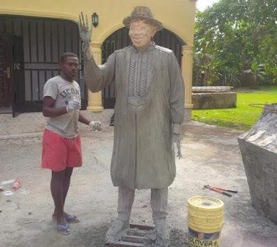 gej statue