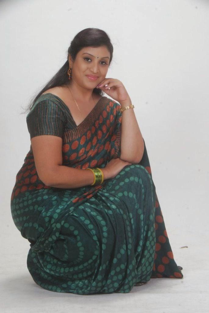 Indian Tv Serial Hot Aunty Photos Collection  Tamil Kathaikal-9045
