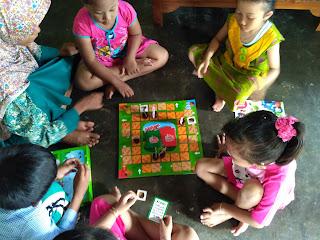 Bermain Board Game Keranjang Bolong