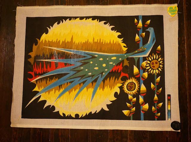 Un canevas des années ? , l'oiseau de feu ? Alexandre, au boulot ! ;) Vintage firebird mid century needlepoint