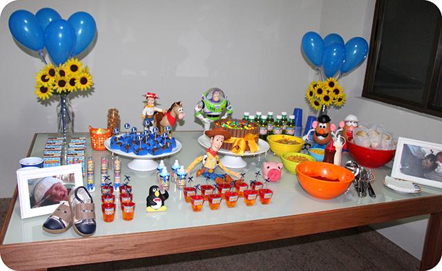Mesa Mêsversário com Decoração do Toy Story