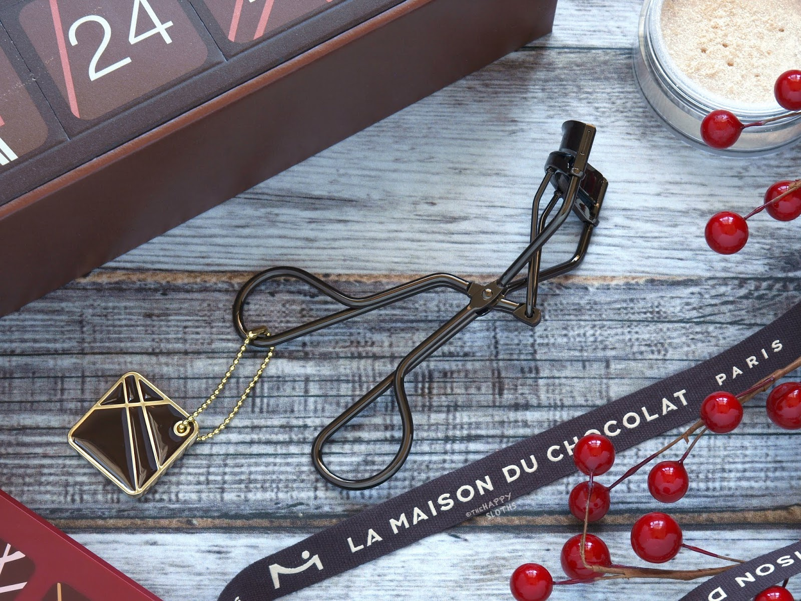 Shu Uemura | Holiday 2018 La Maison du Chocolat Collection | Chocolate Topped Premium Curler: Review