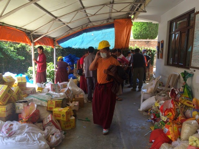 Buddhist monks working to help victims of earthquake in Nepal